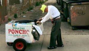anciano-que-vende-helados-campana