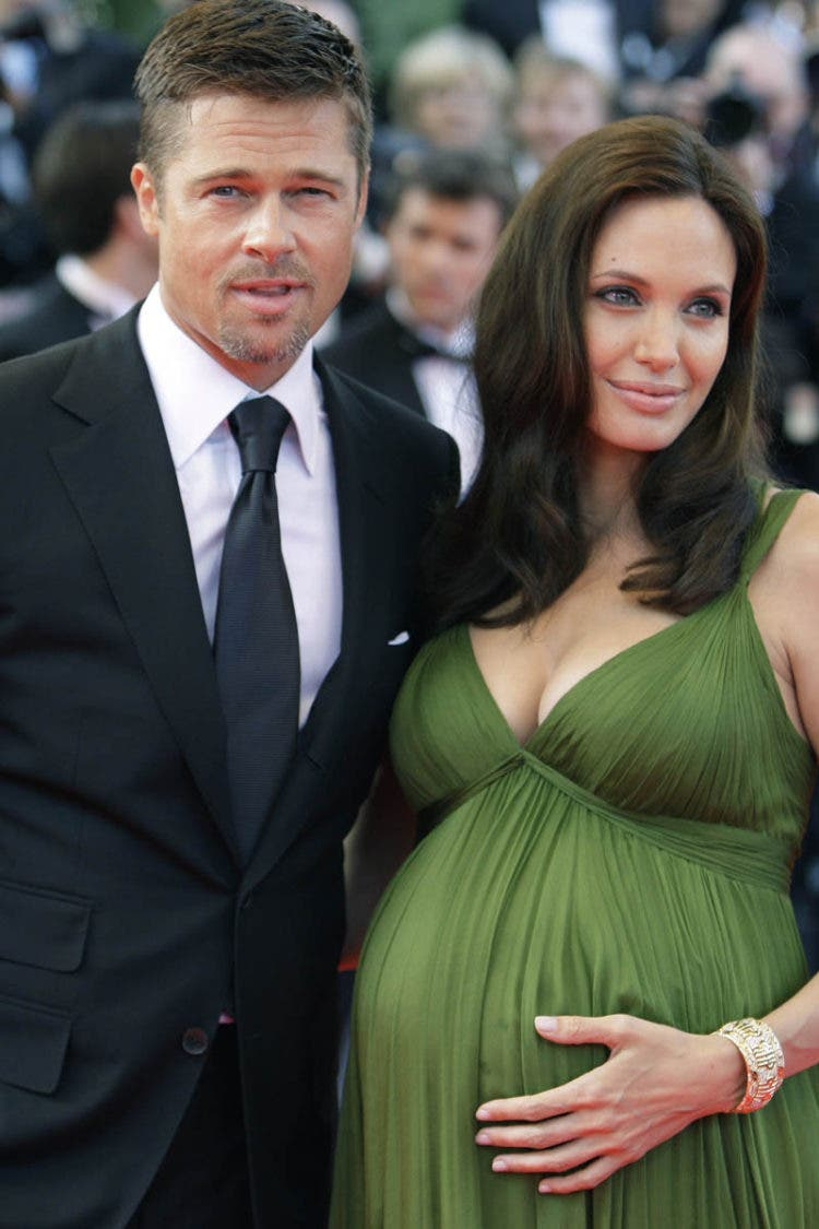 "American actors Brad Pitt and Angelina Jolie arrive for the premiere of the film ""Kung Fu Panda,"" during the 61st International film festival in Cannes, southern France, on Thursday, May 15, 2008. (AP Photo/Matt Sayles)© RADIAL PRESS"