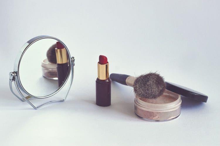 manera-corracta-de-pintar-labios-6