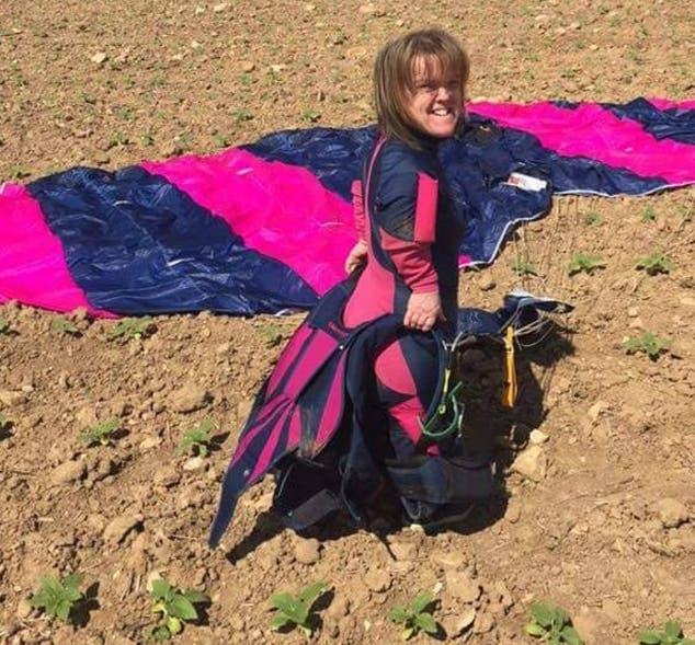 mujer-paracaidas-no-abrio-accidente1