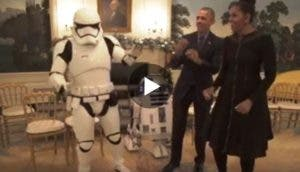 obama-michelle-bailando-con-robots-star-wars2