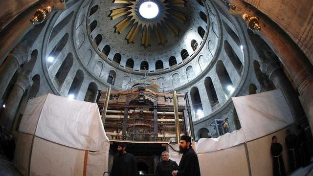 abren-sepulcro-de-jesucristo-despues-de-siglos2