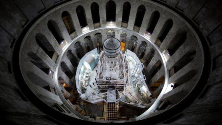 abren-sepulcro-de-jesucristo-despues-de-siglos6