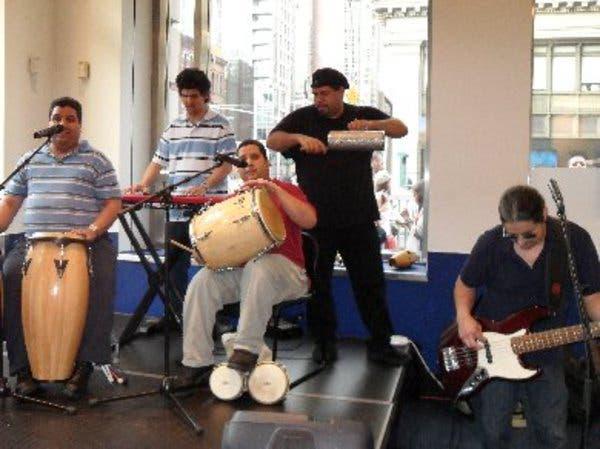 banda-latina-los-ciegos-del-barrio4