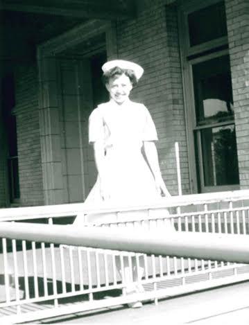 homenaje-enfermera-de-91anos-11