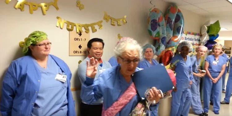 homenaje-enfermera-de-91anos-6
