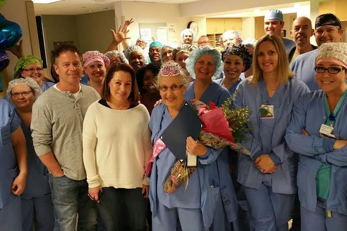 homenaje-enfermera-de-91anos-9