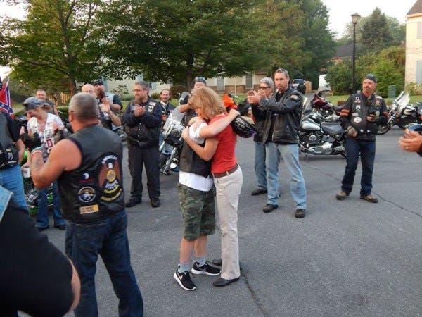 motociclistas-rudos-escoltan-a-nino-con-sindrome-de-down-5