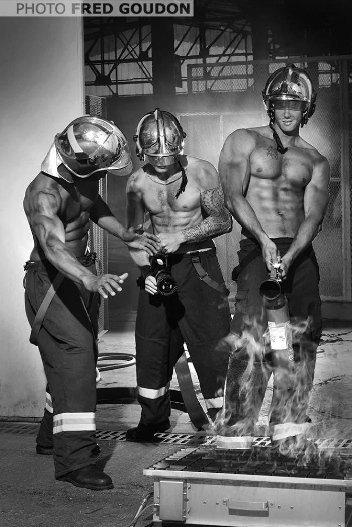 sensuales-bomberos-franceses-calendario-de-caridad-6