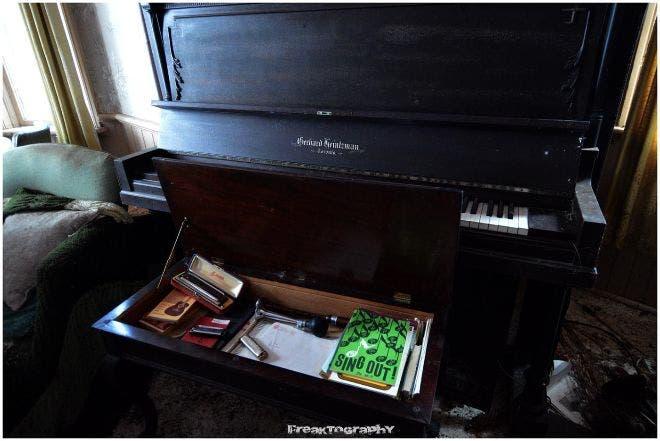 sorprendentes-imagenes-casa-abandonada-21