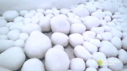 bolas-de-nieve-playa-siberia-4