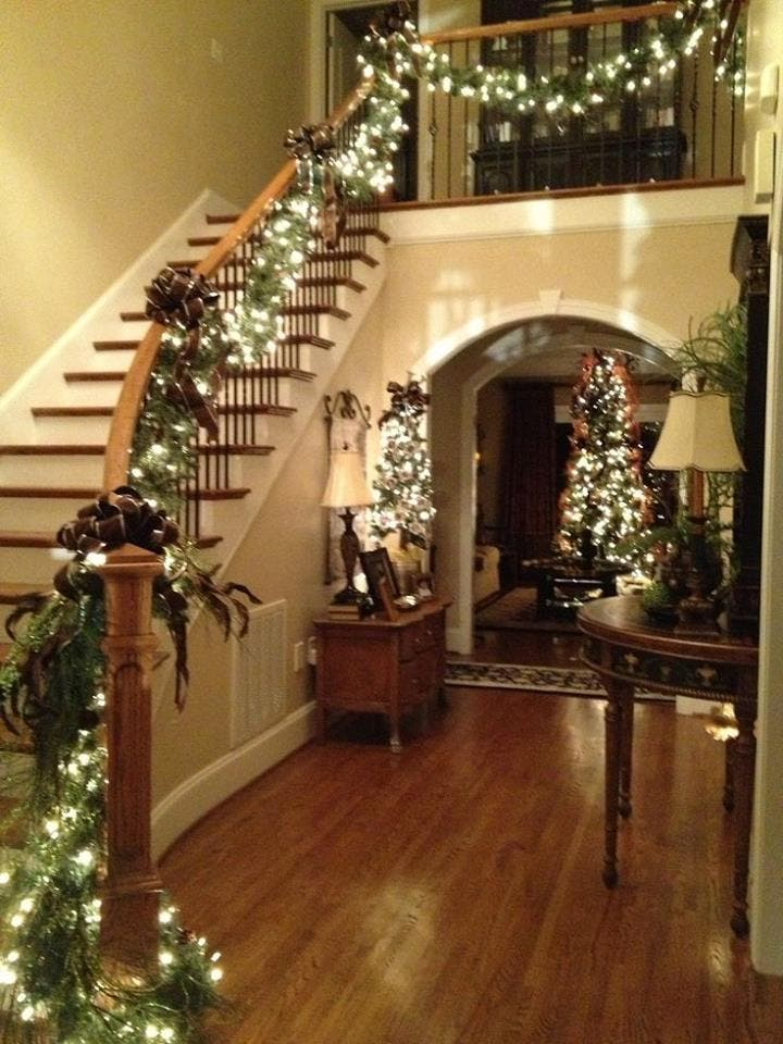 decoracion-navidena-escaleras-y-corredores