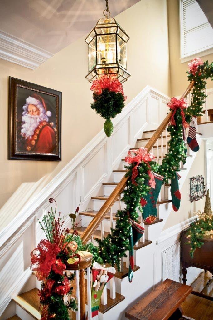 decoracion-navidena-escaleras-y-corredores-15