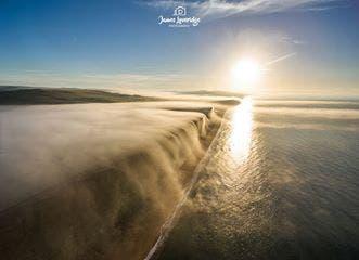 hermosa-cascada-niebla-1