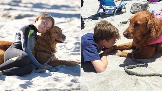 nino-autista-y-perro-surfista-1