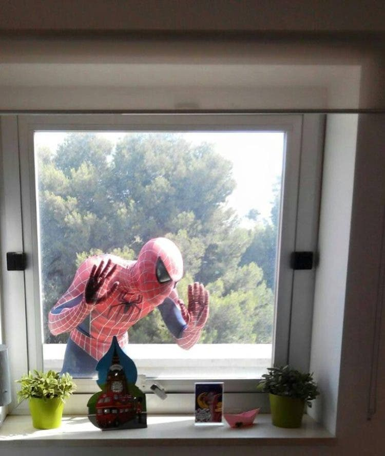 spiderman-que-visita-los-hospitales13