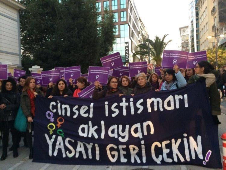 turquia-legaliza-violacion-4