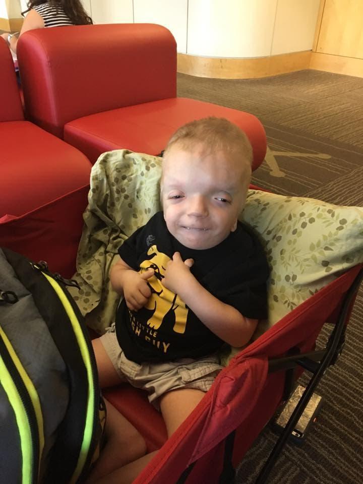 nino-de-tres-anos-con-una-enfermedad-terminal-ha-sido-objeto-de-la-meme-mas-cruel-de-internet-6