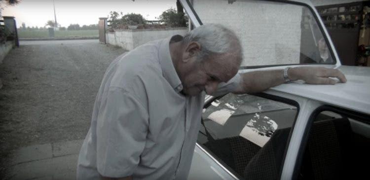 padre-enseno-a-sus-siete-hijos-a-conducir-en-el-ford-fiesta-de-1078-recibe-una-emotiva-sorpresa-4