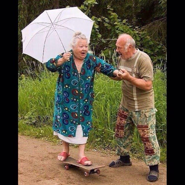 parejas-ancianos-divertidas-01
