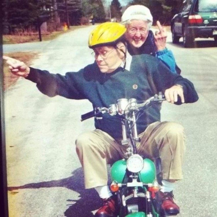 parejas-ancianos-divertidas-07
