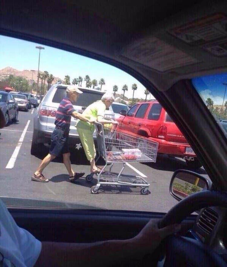 parejas-ancianos-divertidas-16