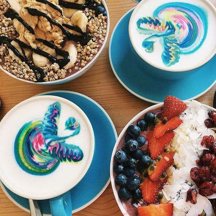 barista-lattes-arcoiris-6