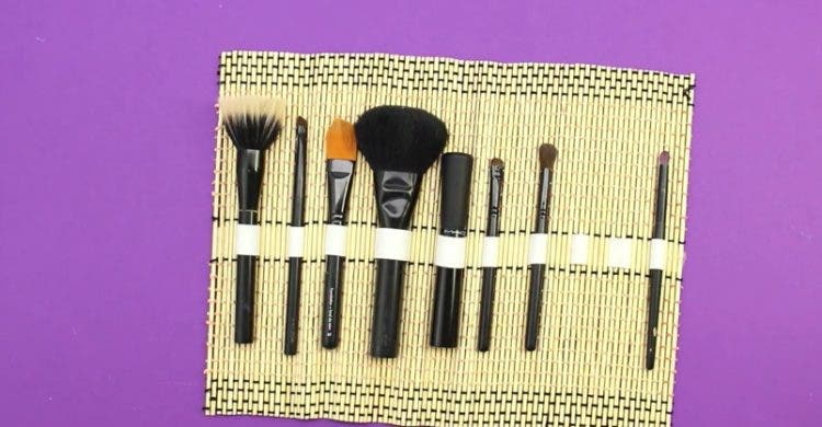como-hacer-organizador-de-maquillaje8