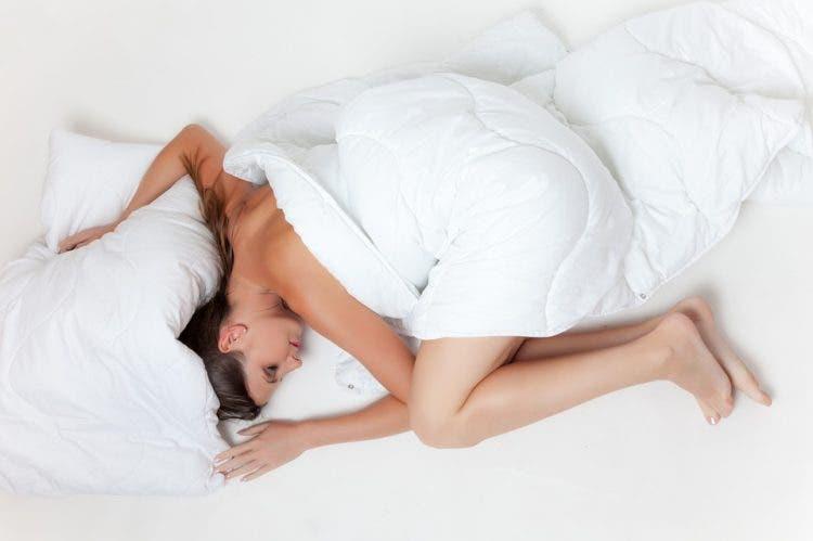 dormir-desnudo-1