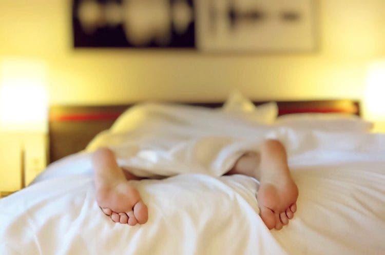 dormir-desnudo-2