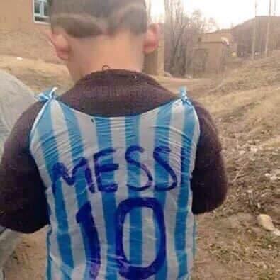 nino-camiseta-afgano-conoce-a-messi4