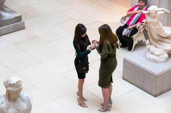 propuesta-de-matrimonio-dos-mujeres-museo4