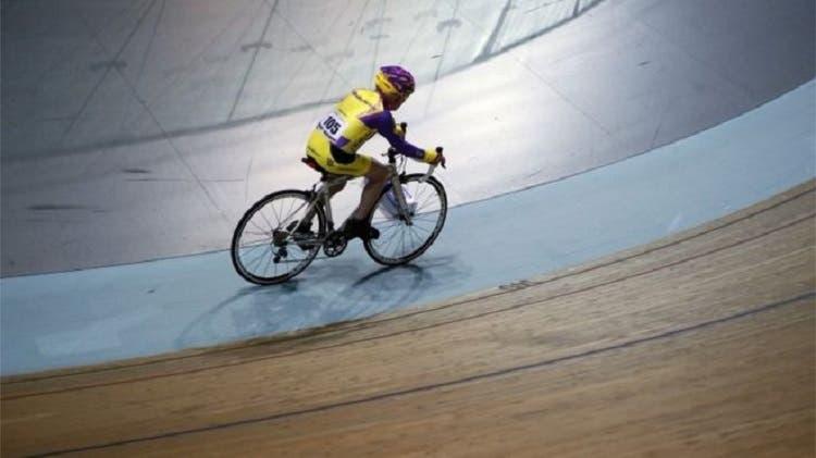 ciclista-frances-de-105-anos-rompe-record-mundial-de-hora-en-bicicleta-1