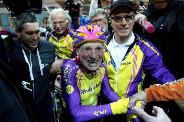 ciclista-frances-de-105-anos-rompe-record-mundial-de-hora-en-bicicleta-3