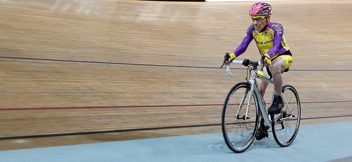ciclista-frances-de-105-anos-rompe-record-mundial-de-hora-en-bicicleta-5