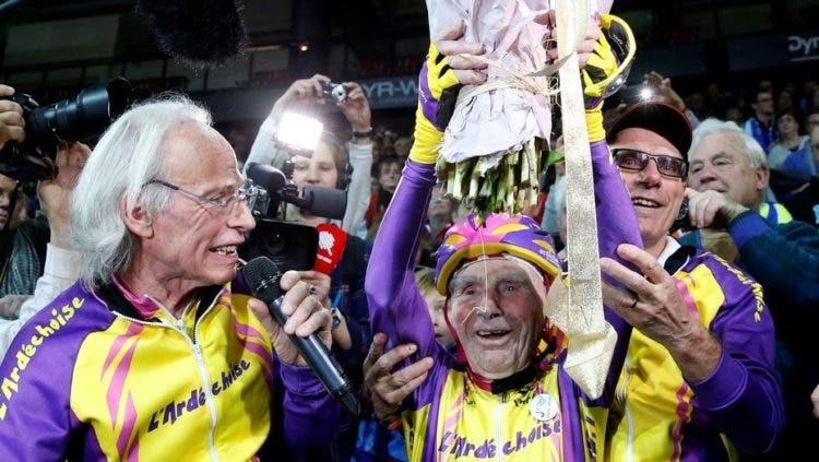 ciclista-frances-de-105-anos-rompe-record-mundial-de-hora-en-bicicleta-6