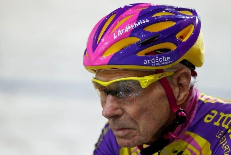 ciclista-frances-de-105-anos-rompe-record-mundial-de-hora-en-bicicleta-7