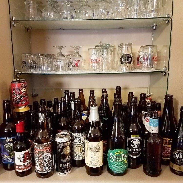 Tobias-Van-Schneider-abandono-cafe-alcohol 06