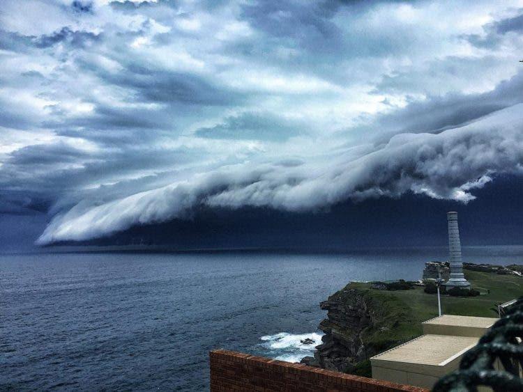 nubes-tsunami-sobre-sydney-2