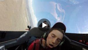 se-desmaya-durante-el-vuelo3