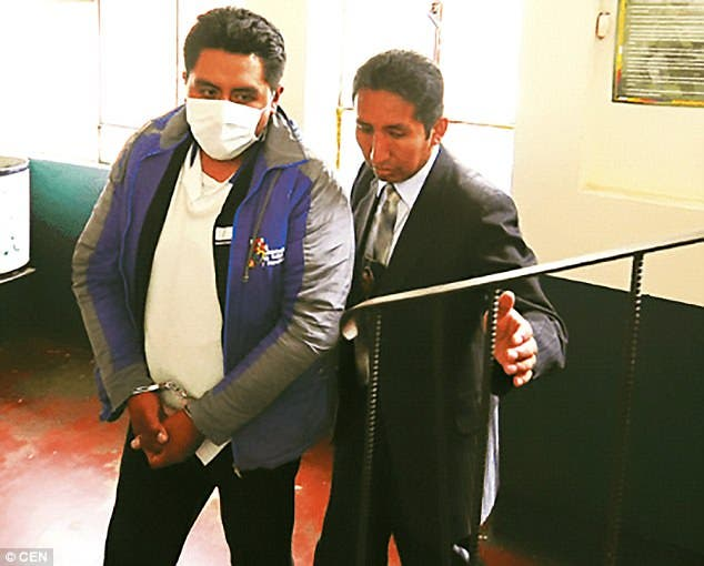Grover Macuchapi enfermero necrofilia bolivia la paz esposo golpes arresto caught having sex with dead body wife arrested