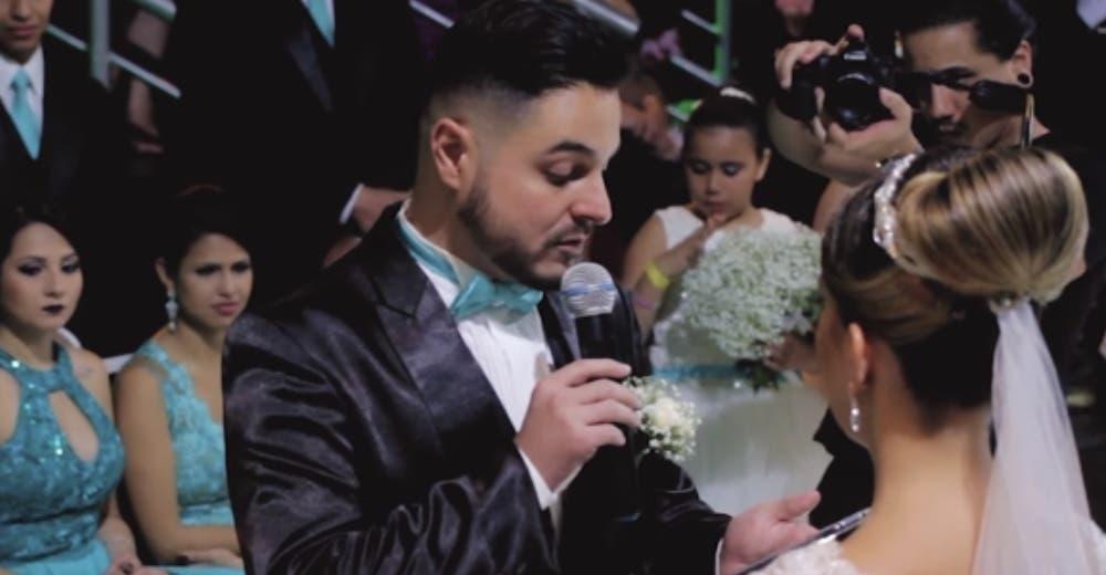 Durante la boda le dio la espalda a la novia para declararle su amor a una de las invitadas