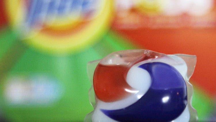 Comer cápsulas de detergente, el peligroso reto de los adolescentes en redes sociales TIDE POD CHALLENGE