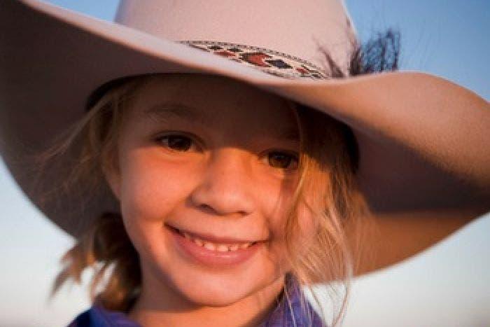 muerte de niña en australia dolly everett campaña contra el bullying psicologos expertos edad ideal niños ingresen usen asegura que las redes sociales deben ser para mayores de 12 años responsabilidad de los padres dead suicide tragic bullies