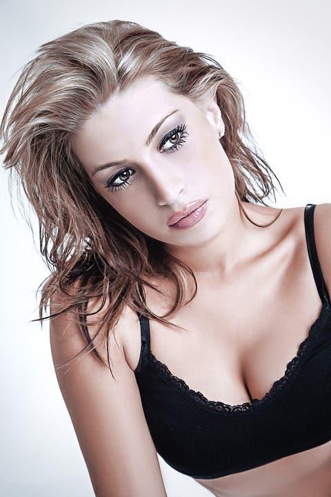 como prevenir las arrugas en el pecho dieta habitos belleza cosmetica tratamientos piel colageno magnesio mujeres senos soporte almohadillas dormir posicion sol