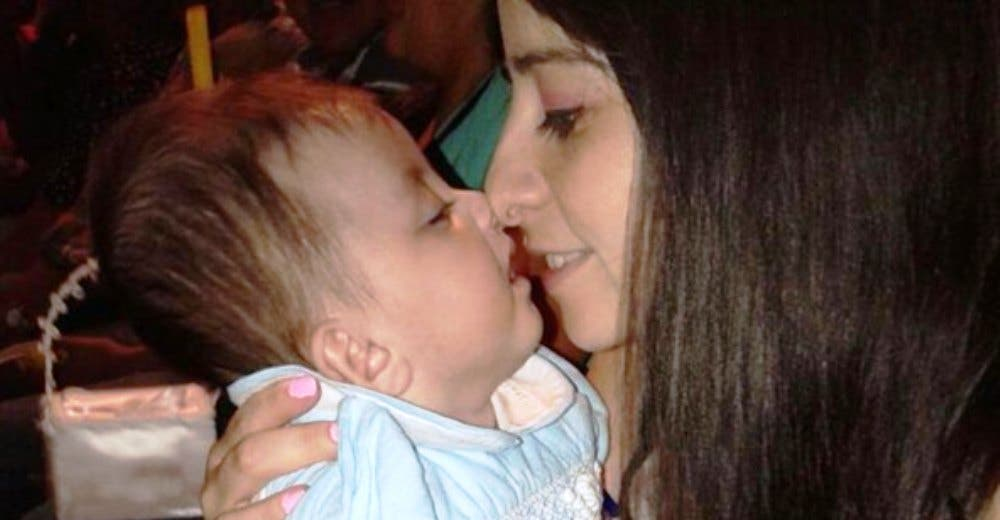 Una enfermera adopta a la bebé que estaba sola en el hospital