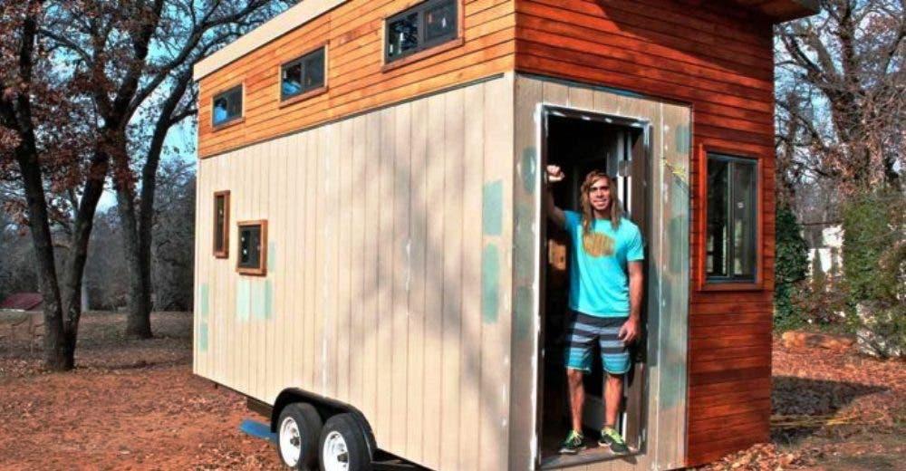 No tenía dinero para pagar el alquiler y se construye una casa de 14 m² que todos envidian