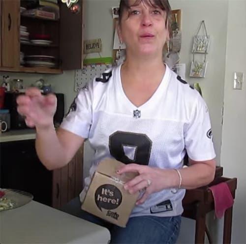Mujer regalo sorpresa
