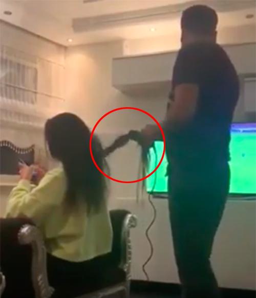 Novio plancha cabello a su novia
