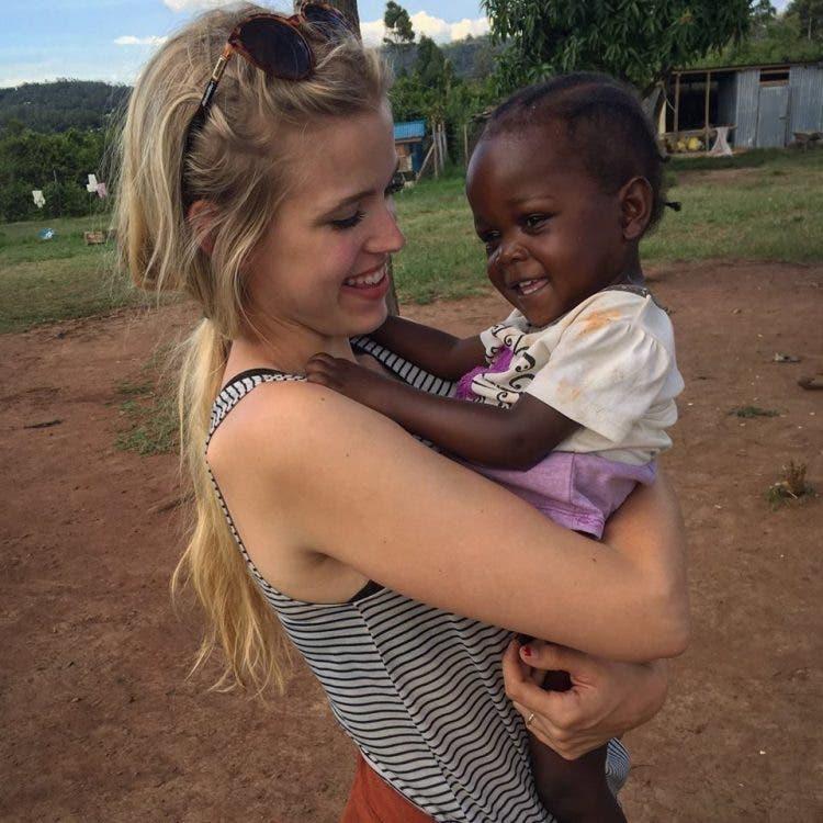 Una estudiante de medicina y su esposo lo dejan todo para abrir un hospital de niños en Kenia